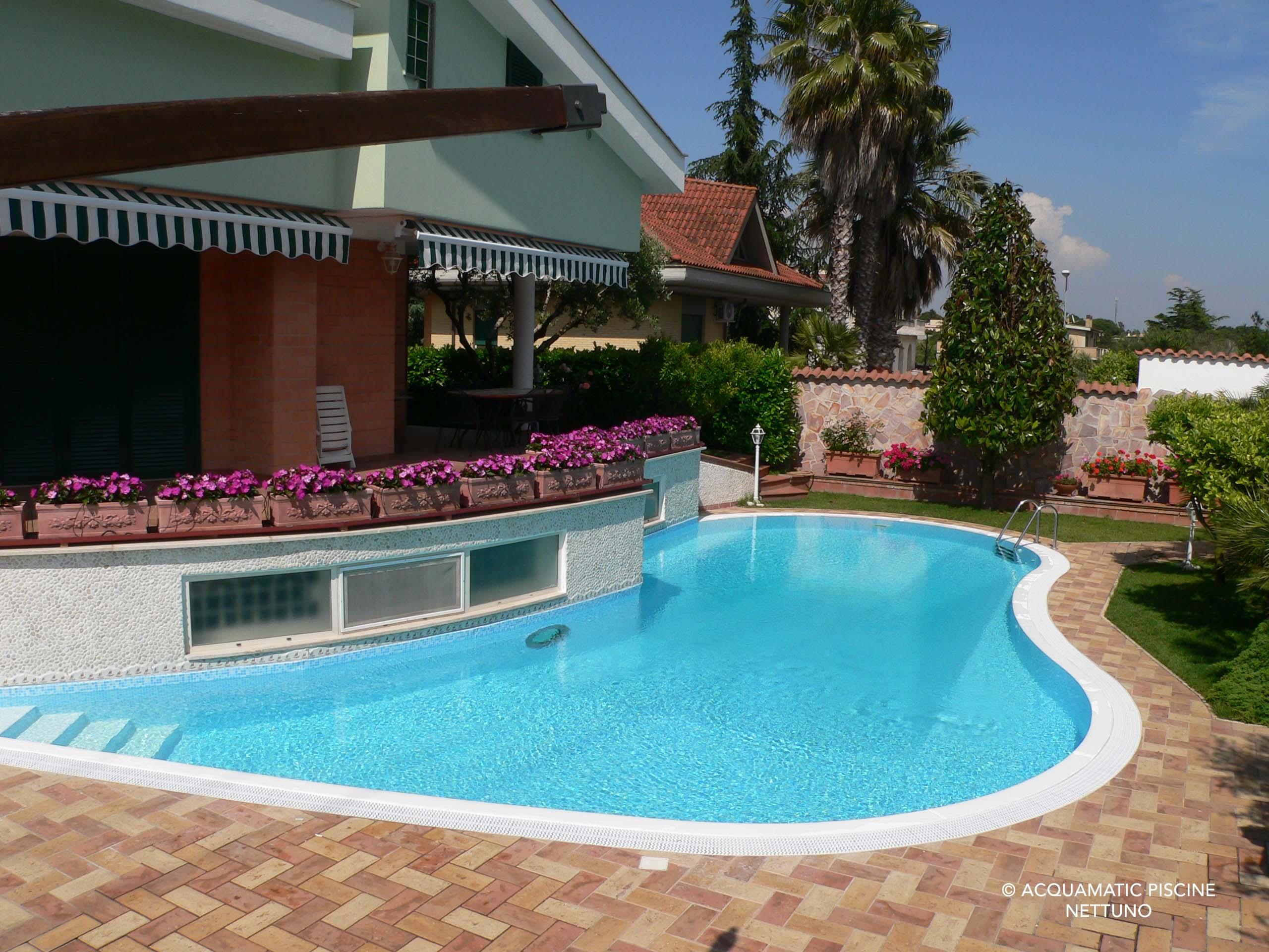 Immagini piscine simple facebook with immagini piscine excellent laguna relax with immagini - Foto di piscine ...